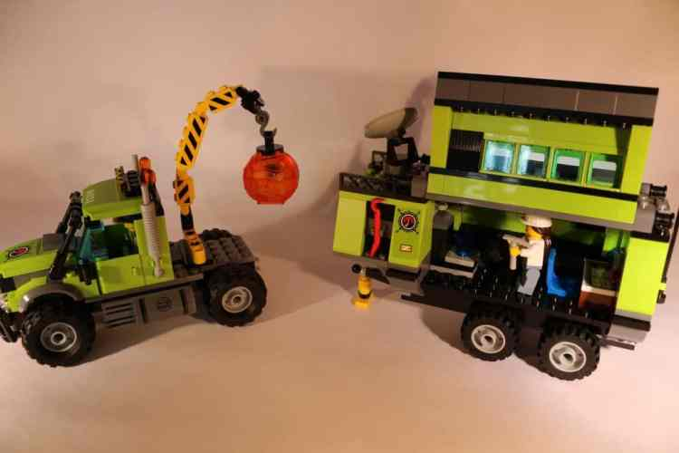 Lego City truck and operations lab