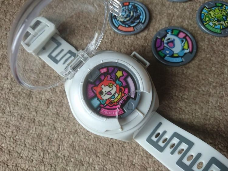 yokai watch with medal
