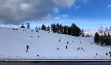 Familienspaziergang in Tirol