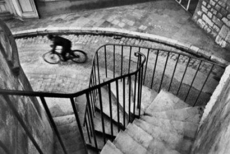 fotografos-famosos-henri-cartier-bresson-bicycle