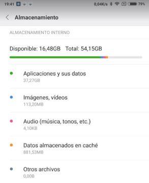 Captura de pantalla de un móvil con 64 Gb. al que le quedan 16 Gb. libres