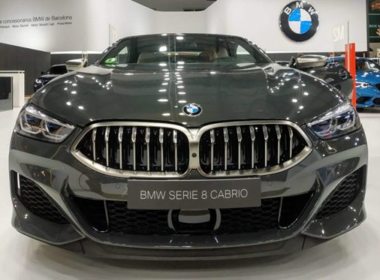En la foto el frontal del BMW Serie 8 descapotable
