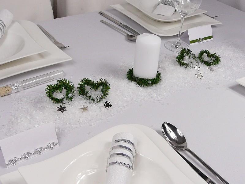 Winterhochzeit auf Mustertischen Hochzeitsdeko
