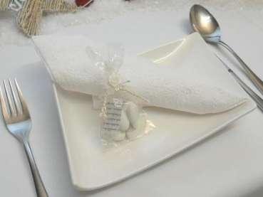 Gastgeschenk Hochzeitsmandeln im Zellophansckchen