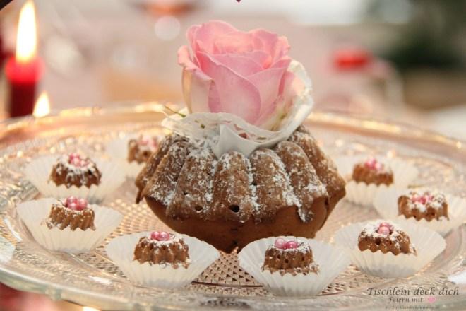 kleine Kuchen zum Valentinstag