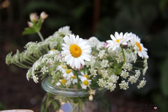 Wiesenblumenschmuck