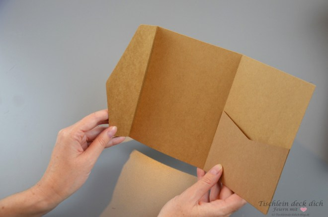 Pocketfold Einladungen aus Kraftpapier