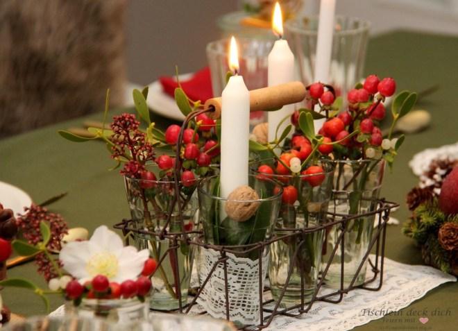 festliche weihnachtliche Tischdekoration im Retrolook