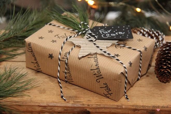 Geschenke in Packpapier