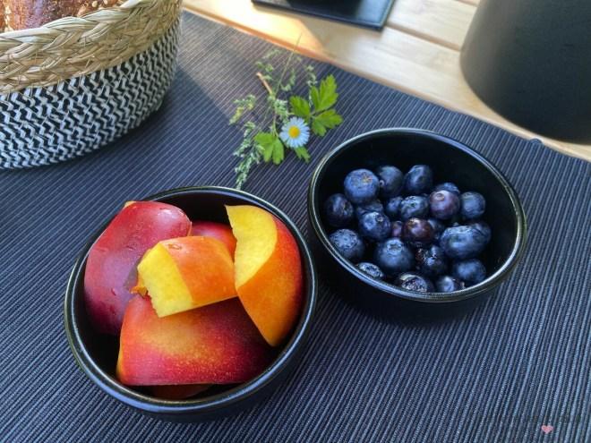 Camping Frühstück mit Obst