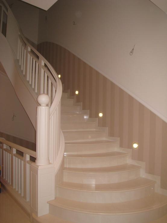 Treppen aller Art aus Holz fertigt die Tischlerei Janssen in Berlin