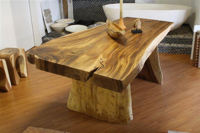 Massivholztisch aus Soar ca 200 x 95 cm  Der Tischonkel