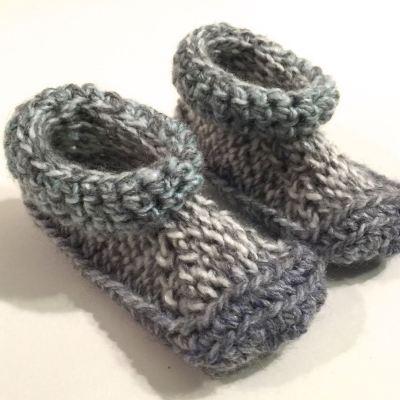 Pantoufles-BB-Crochet-Grisvertbleu-1