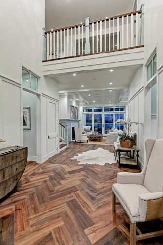 Fournier - 2900 Ardmore_Night Foyer2