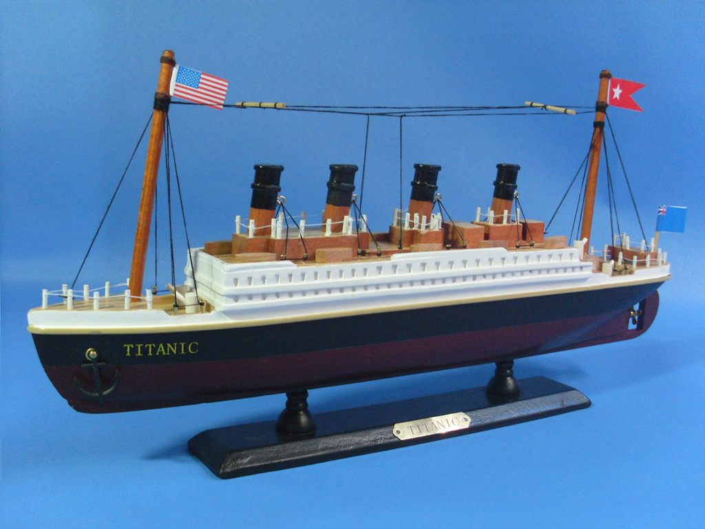 hight resolution of titanic ship model 14 b