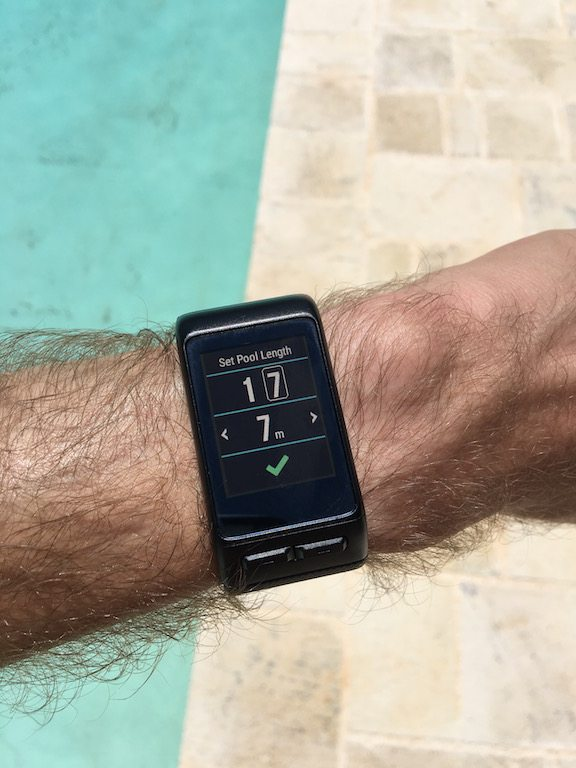TitaniumGeek IMG_0195-1 Garmin Vivoactive HR Review - Is the complete revamp a success? VivoActive swimming sleep tracking running resting HR Optical Heart Rate garmin cycling