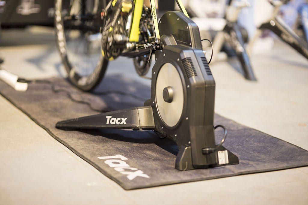 TitaniumGeek con  2 1024x684 Tacx Flux Smart Turbo Trainer Review   Zwift Gear Test | TitaniumGeek Cycling Gear Reviews Smart Trainers Zwift  Zwift Gear Test Zwift Turbo Trainer Turbo Tacx Smart trainer Neo indoor trainer flux Edco Hub edco cycling   Image of con  2 1024x684