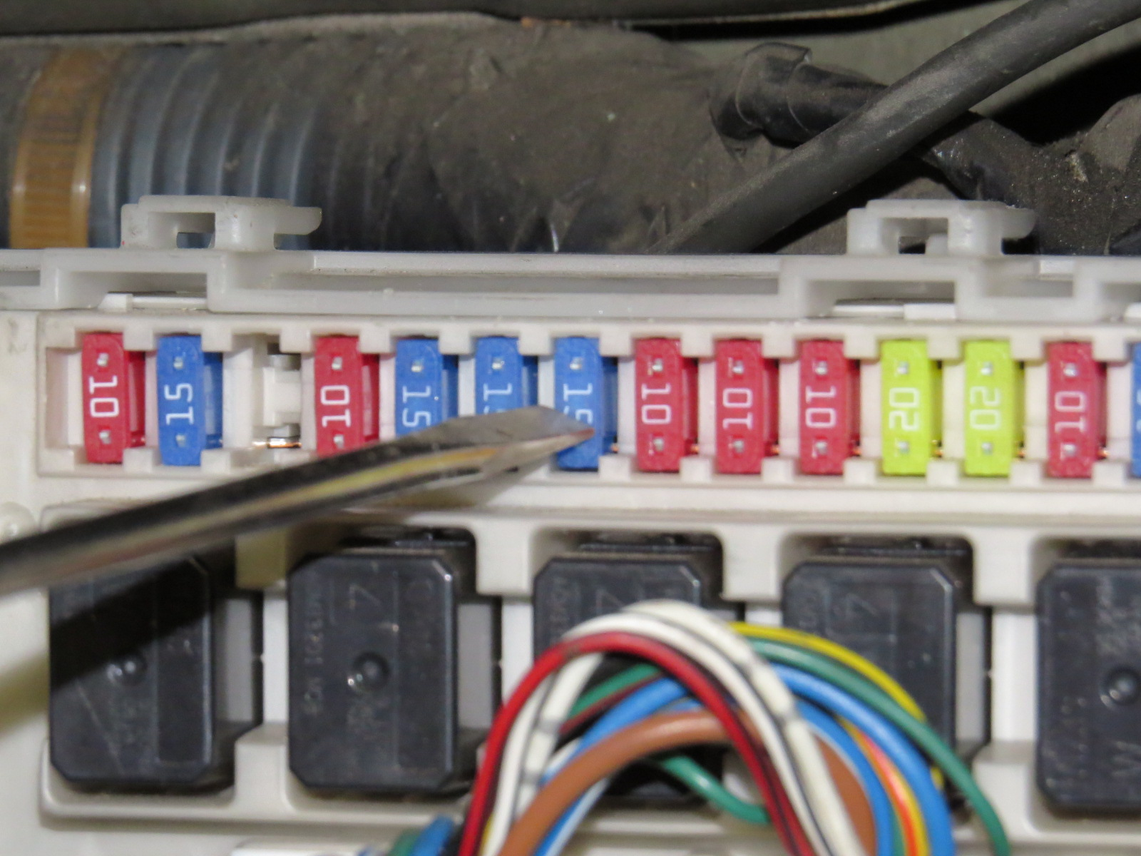 hight resolution of 2006 nissan armada fuse box