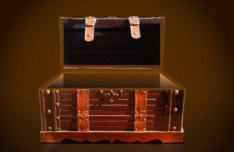 Vector Pirate Treasure Chest Full of Gold 04