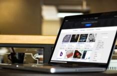 5 Photorealistic Macbook Mock-ups PSD