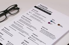 Easy And Simple Resume CV PSD Template