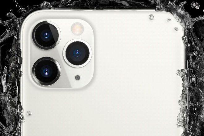 iPhone 11 Pro Device Mockup PSD