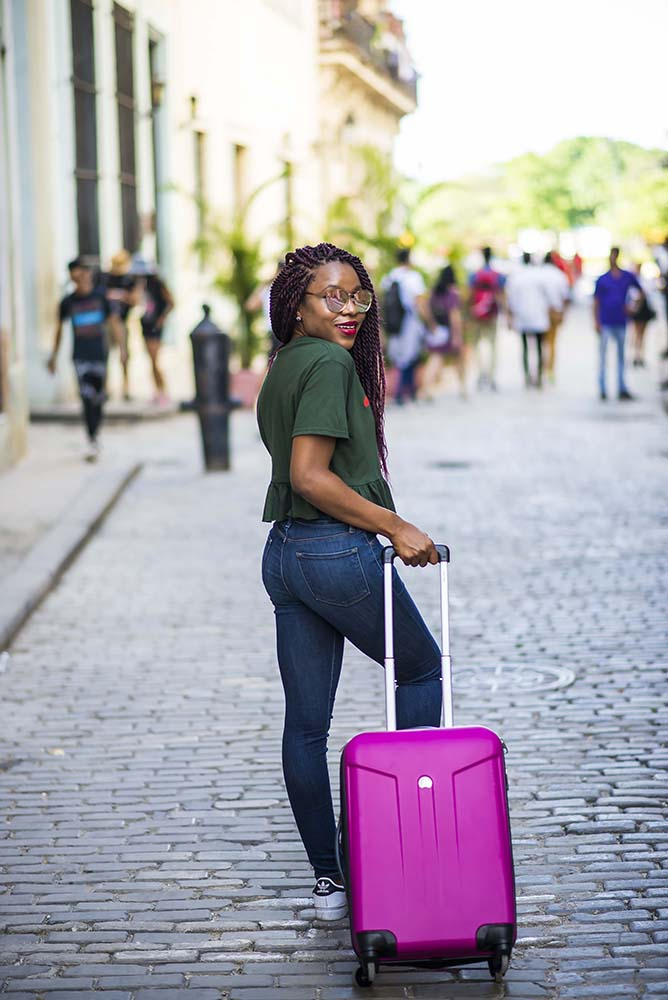 Travel essential post: How to pack light on vacation
