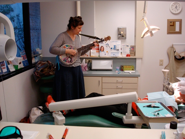 """Machine Project's """"Win a Musical Trip to the Dentist,"""" 2009. Photo courtesy of Machine Project."""