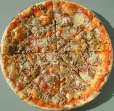 """Pizza con cipolle e tonno"""": le ricette di Tivoo"""