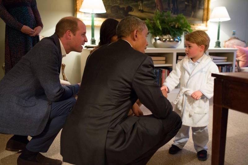 Principe George, la vestaglia in pile nuovo trend oltre Manica