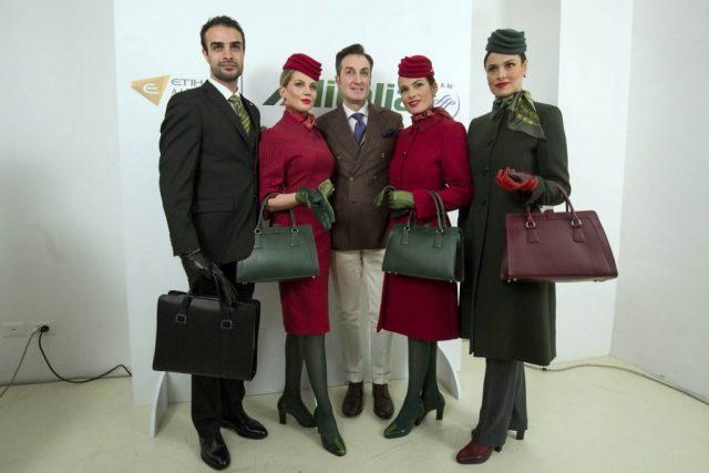 Ettore Bilotta difende le nuove uniformi dell'Alitalia
