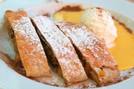 Apple pie (vienna strudel) with ice-cream