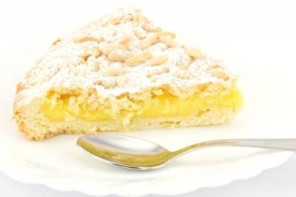 ricetta-torta-della-nonna-crema-pasticcera-pinoli-1-640x426