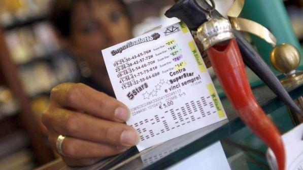 Lotto, 10 e Lotto e Superenalotto: i numeri vincenti del 14 febbraio