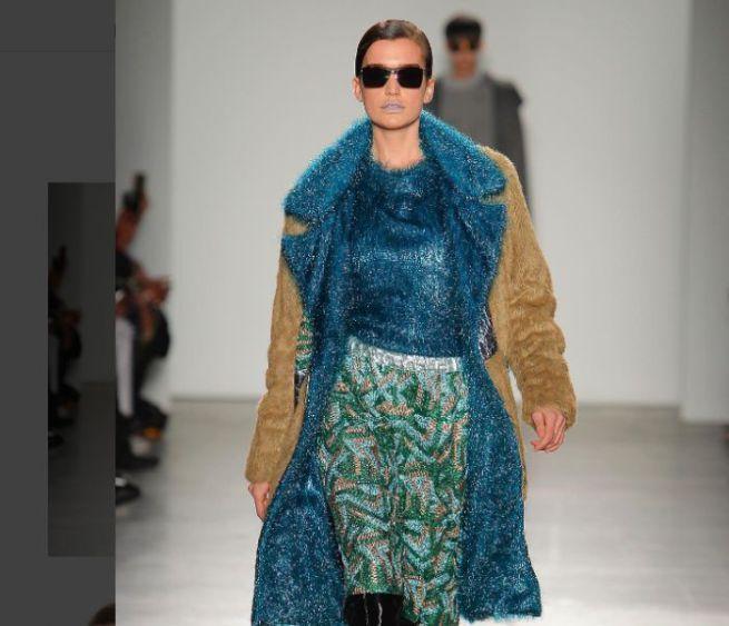 New York fashion week, Custo tra lurex e laminati esalta la donna indipendente