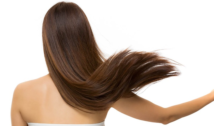 Cura dei capelli: ecco alcuni consigli per renderli forti e vitali