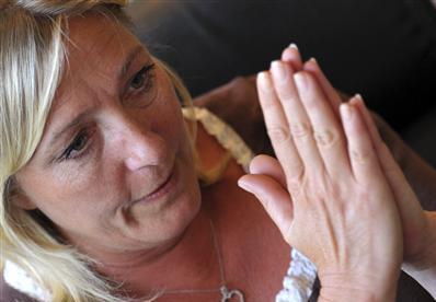 Victime d'un accident grave, Marine Le Pen est fracturée de la colonne vertébrale