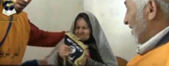 Ansar Al Shariâa Influence les vieux nécessiteux en faisant passer leur propagande salafiste avec les donations