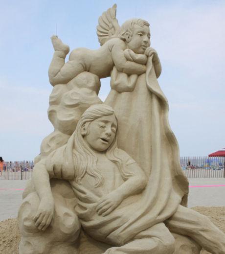 l-enfance-en-sculpture-de-sable-realise-lors-du-concours-de-hampton-beach_127880_w460