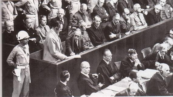 Le procès de Nuremberg se tint du 20 novembre 1945 au 1er octobre 1946.