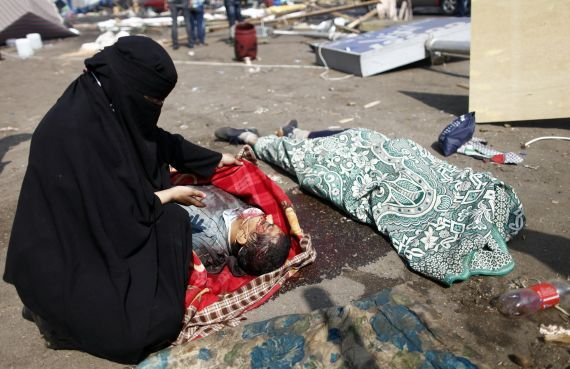 Egypte: de nombreux morts, état d'urgence décrété pour un mois -