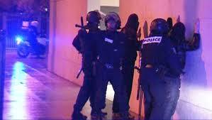 Arrestation de membres des Pink Panthers en 2008.