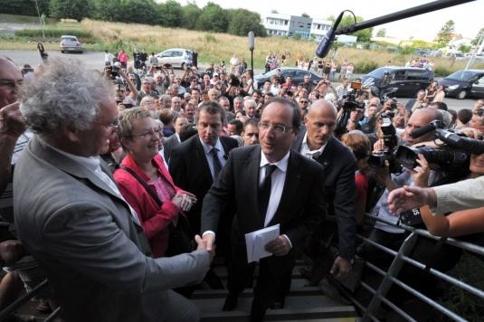 Francois Hollande à La Roche-sur-Yon