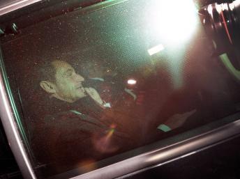 Nicolas Sarkozy après avoir été interrogé sur les accusations l'année dernière.