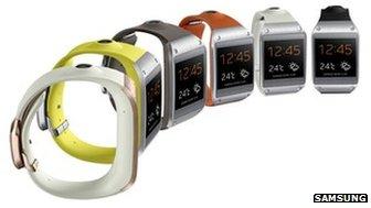 est mis à disposition avec une gamme de bracelets colorés.