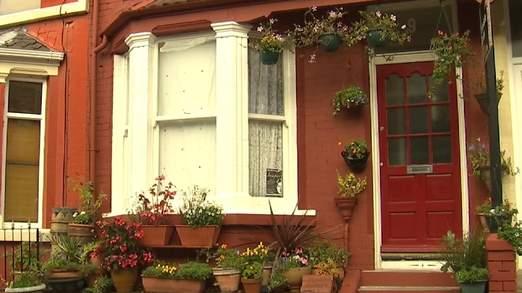 La maison est sur la route de Newcastle dans le célèbre quartier de Penny
