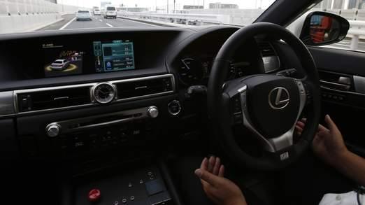 Une démonstration du système d'aide automatique à la conduite sur autoroute