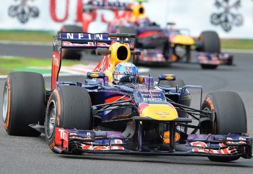 Pilote Red Bull Sebastian Vettel en action lors de la première séance d'essais libres du Grand Prix du Japon à Suzuka, le 11 Octobre, 2013