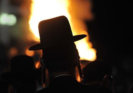Les juifs aux États-Unis sont extrêmement fiers d'être juifs, mais près d'un sur cinq d'entre eux se décrivent comme n'ayant aucune religion, selon un sondage du Pew Research Center publié mardi.