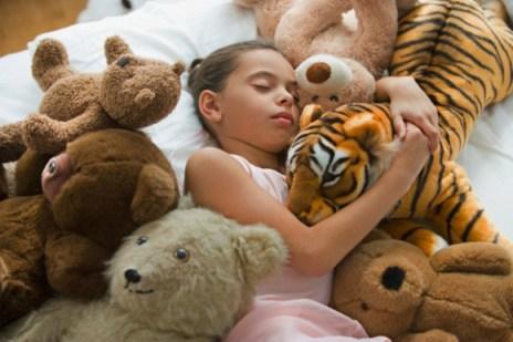 Attention aux peluches: domiciles des bactéries dangereuses pour la santé des enfants